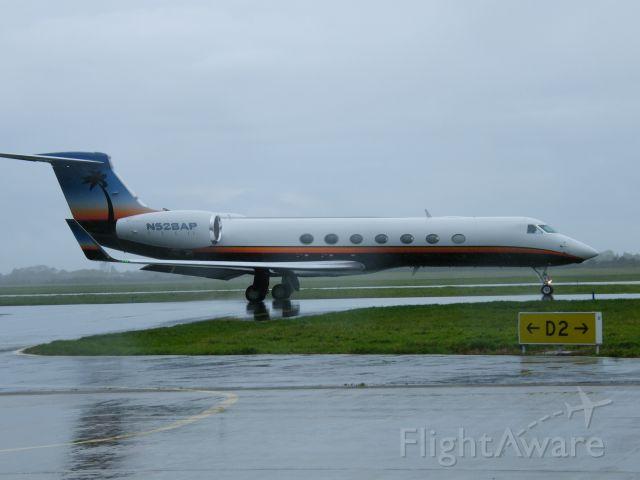 Gulfstream Aerospace Gulfstream V (N528AP) - N528AP GULF G550 CN 5168   ARROW PLANE LC 27-10-2010
