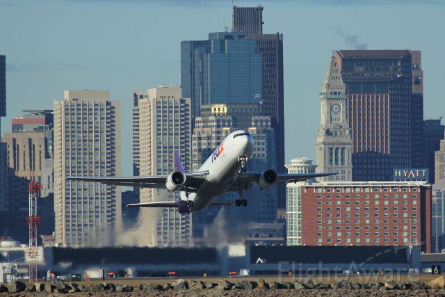 — — - FedEx 647 departing runway 9 for Memphis, TN