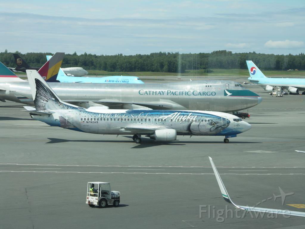 BOEING 737-400 (N792AS)