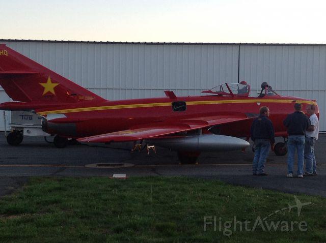 MIKOYAN MiG-17 — - MG17