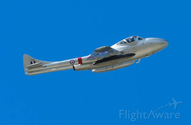 F+W EMMEN Vampire (C-FJRH) - A final flypast of this beautiful restore vamp before returning home.
