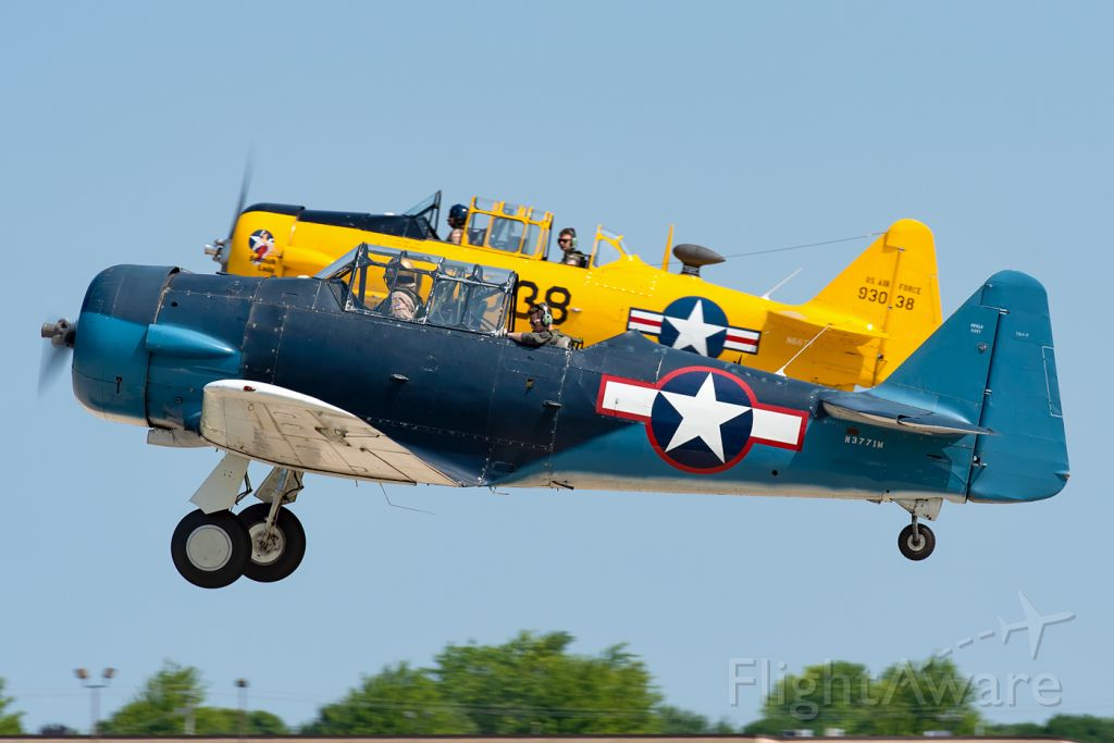 North American T-6 Texan (N3771M) - Getting the ride of a lifetime.