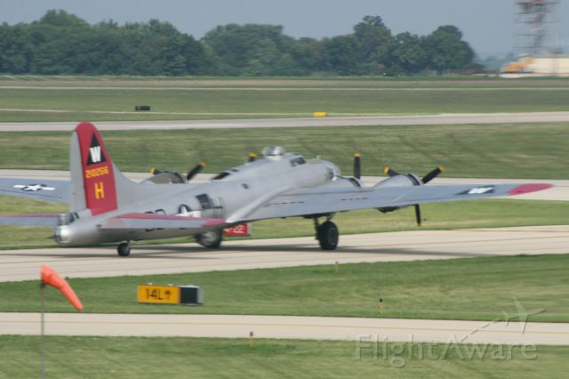 Boeing B-17 Flying Fortress — - EAA B-17 taxiing out for takeoff