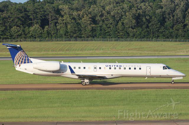 Embraer EMB-145XR (N11199)