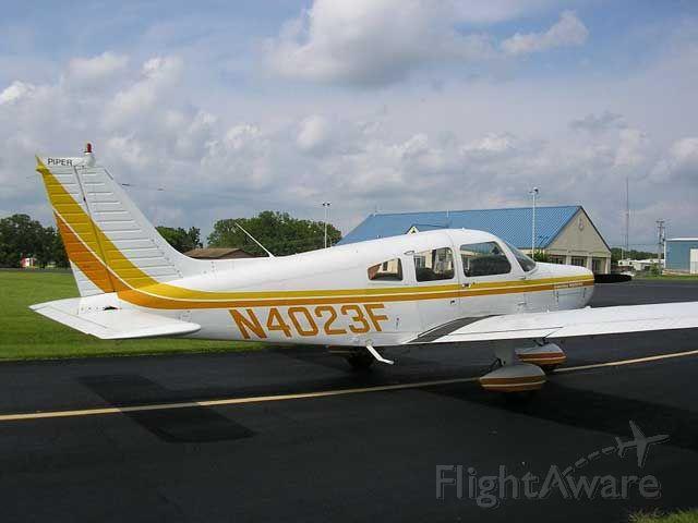 Piper Cherokee (N4023F)