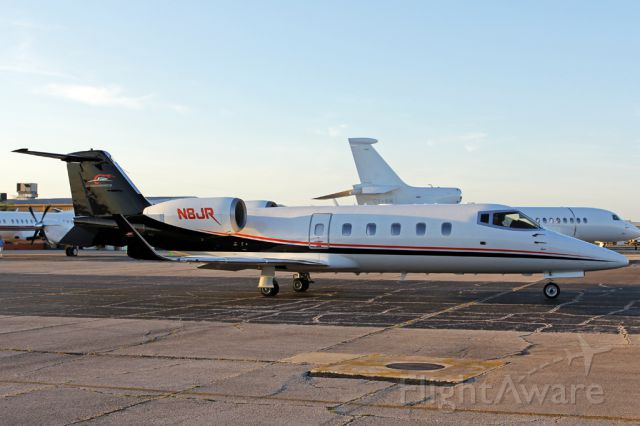 Learjet 60 (N8JR) - Junior taxing out of SheltAir