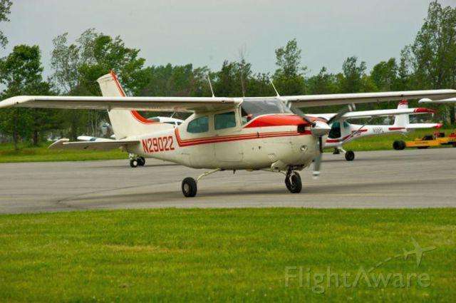 Cessna Centurion (N29022)