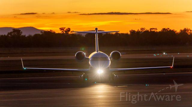 Canadair Challenger (VH-OFA)