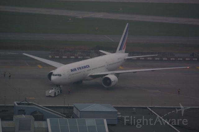Boeing 777-200 (F-GSPP)
