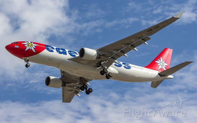 Airbus A330-200 (HB-IQI)