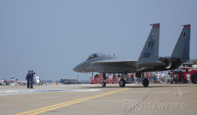 — — - F15C Demo taxiing out - team salute