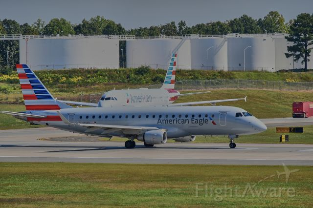 Airbus A319 (N760US) - Lined up for take-off on 18C