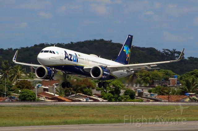 Airbus A320neo (PR-YRW) - Pouso do Airbus A320-251 em Recife
