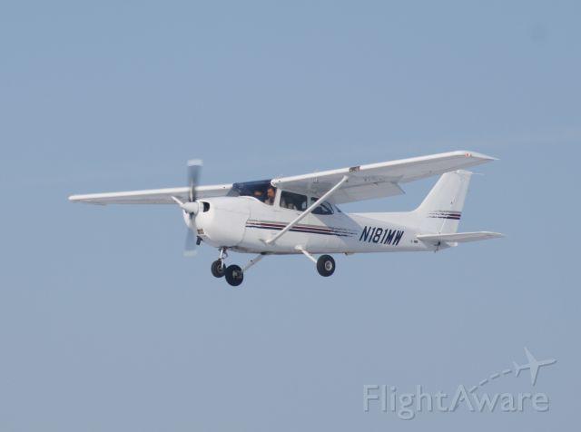 Cessna Skyhawk (N181MW)