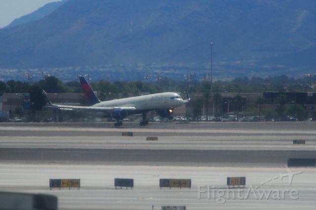 Boeing 737-900 (N847DN)