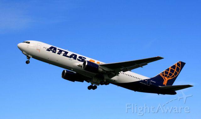 BOEING 767-300 (N642GT)