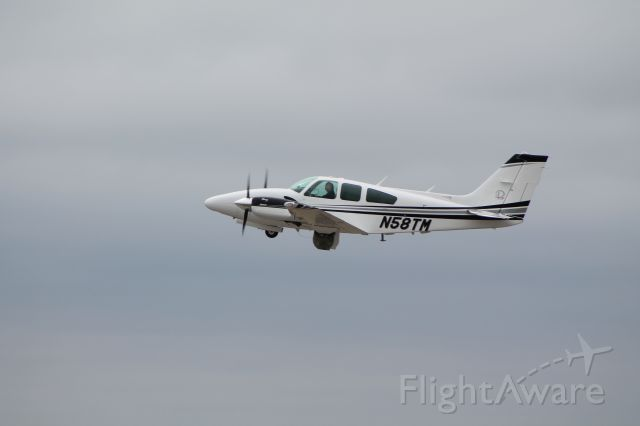 Beechcraft 55 Baron (N58TM)