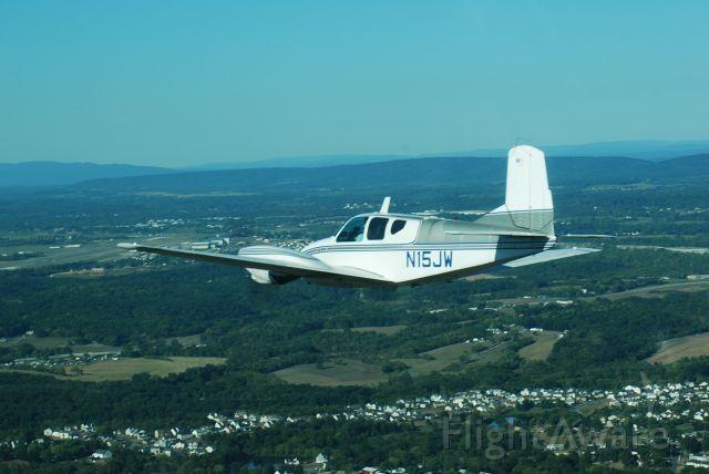 Beechcraft Travel Air (N15JW)