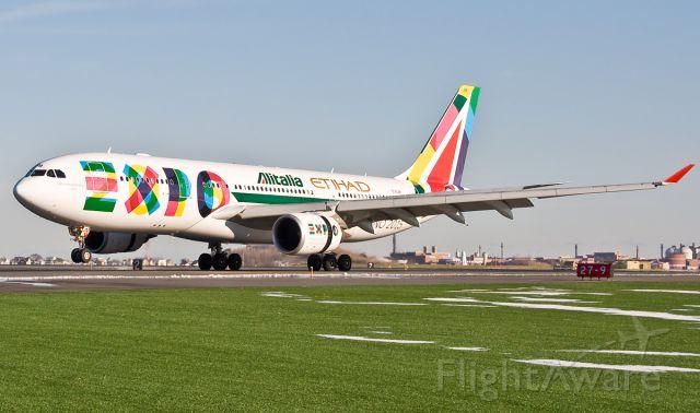Airbus A330-200 (EI-EJM) - Special Livery landing @ KBOS Logan MILANO EXPO 2015 on FlightAware.Com !