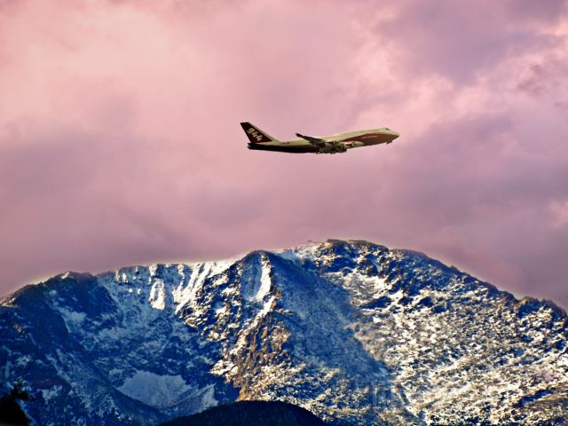 Boeing 747-400 (N744ST) - The Largest Super Tanker doing pattern work at the Colorado Springs Airport