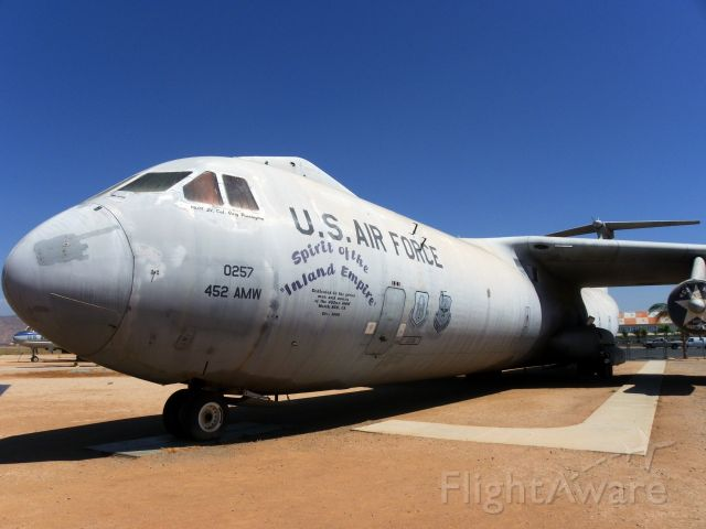 Lockheed C-141 Starlifter (N0257) - A C141 finds it