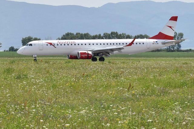 Embraer ERJ-190 (OE-LWI) - Austrian Embraer ERJ-195 OE-LWI at Kosice int. airport, Slovakia