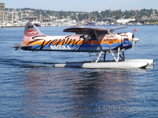 N900KA — - ON LAKE UNION IN SEATTLE