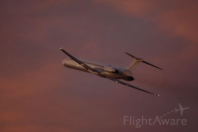 McDonnell Douglas MD-83 (N125MN)