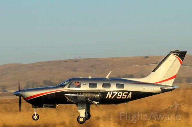 Piper Malibu Mirage (N795A) - Mirage Landing
