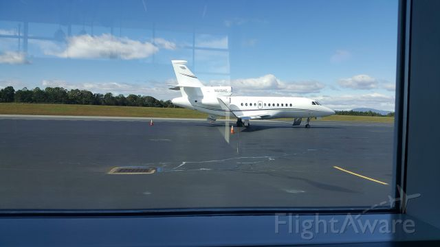 Dassault Falcon 900 (N615HC) - Does the bathroom spill if inverted?
