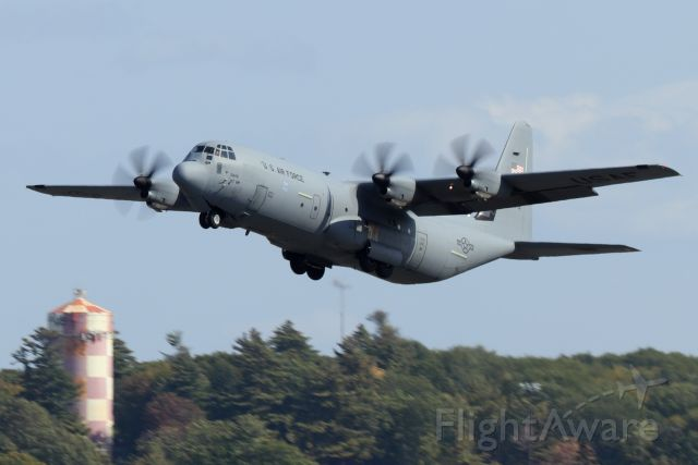 Lockheed C-130 Hercules (16-5849) - 'Hive 61' lifting off of runway 33