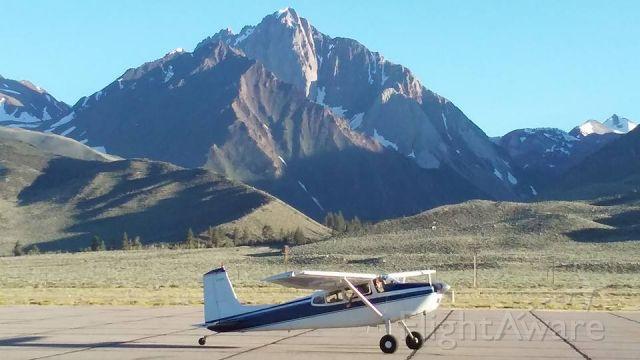 Cessna Skywagon 180 (N14PL) - KMMH spring skiing.