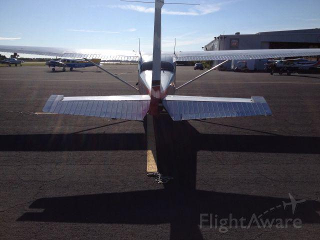 Cessna Skyhawk (N9748L)
