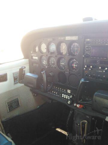 Cessna Skyhawk (N9616L)