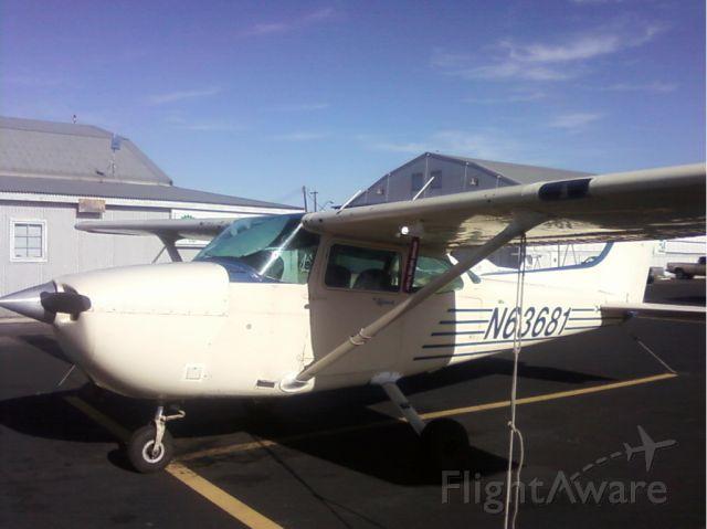 Cessna Skyhawk (N63681)