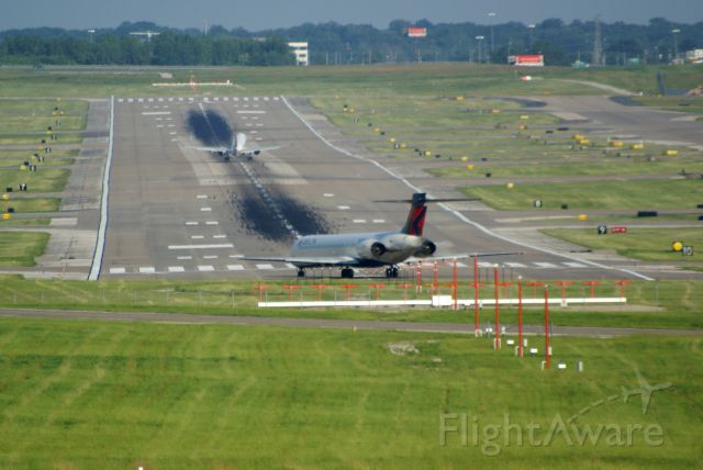 McDonnell Douglas MD-90 (N924DN) - DL1199 to ATL