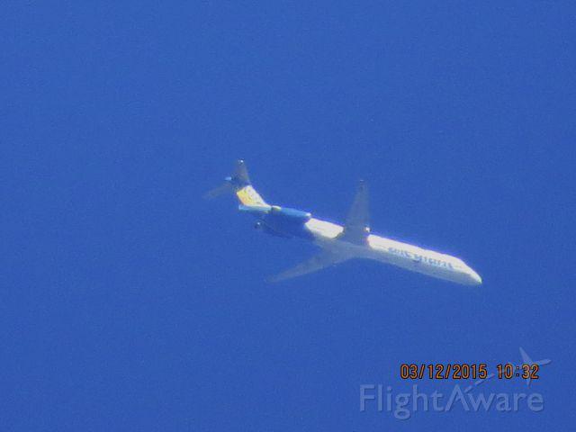 McDonnell Douglas MD-88 (N402NV)