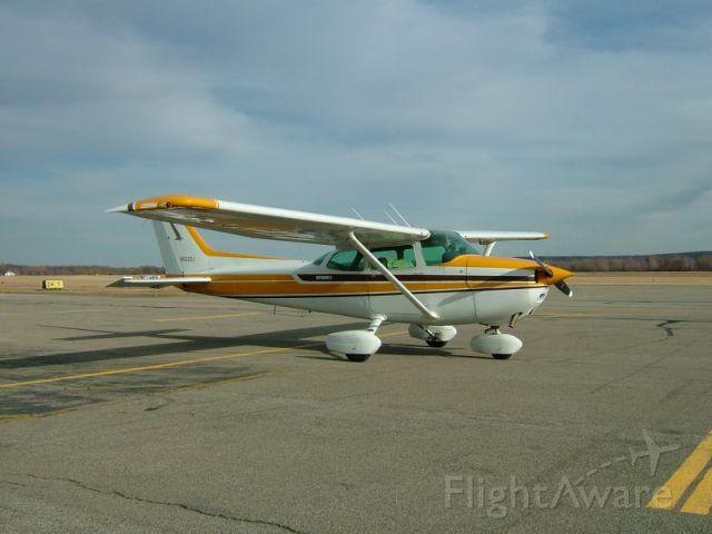 Cessna Skyhawk (N5222J)