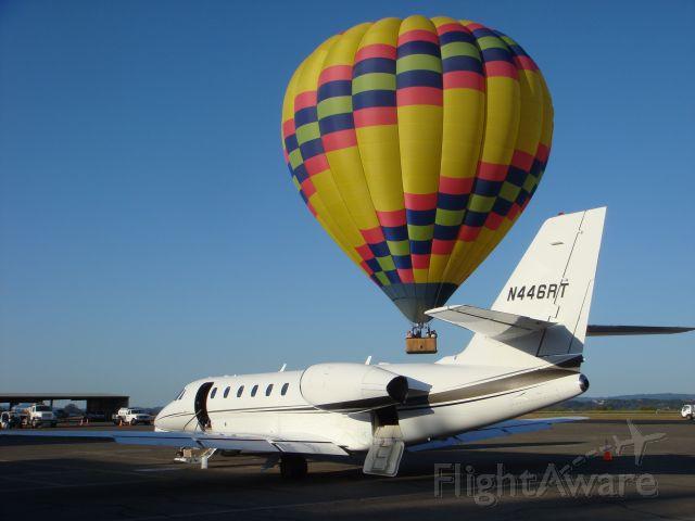 Cessna Citation Sovereign (N446RT) - Hot air balloon takeoff Santa Rosa CA