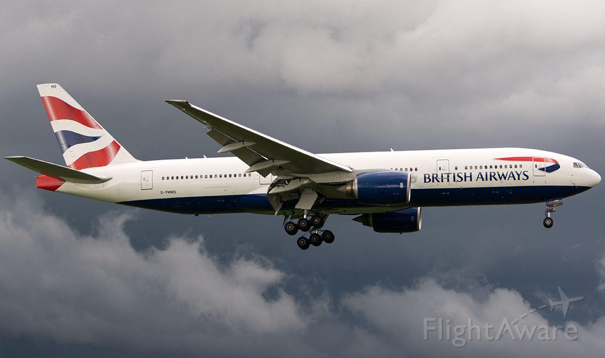 Boeing 777-200 (G-YMMS)