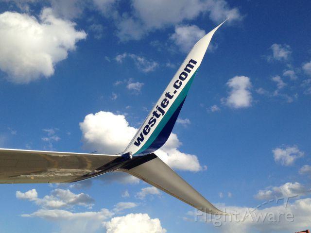 Boeing 737-800 (C-GWRG) - Westjets first Scimitar Winglet