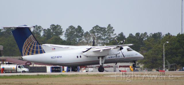 de Havilland Dash 8-200 (N374PH)