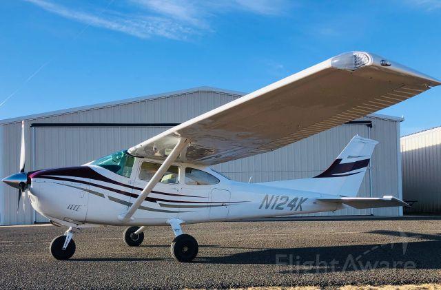 Cessna Skylane (N124K) - C182XP- Air Plaines IO520-D