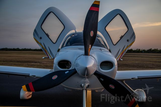 Cirrus SR-22 (N622AD) - In LLano to go get some BBQ
