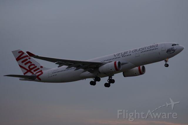 Airbus A330-200 (VH-XFH)