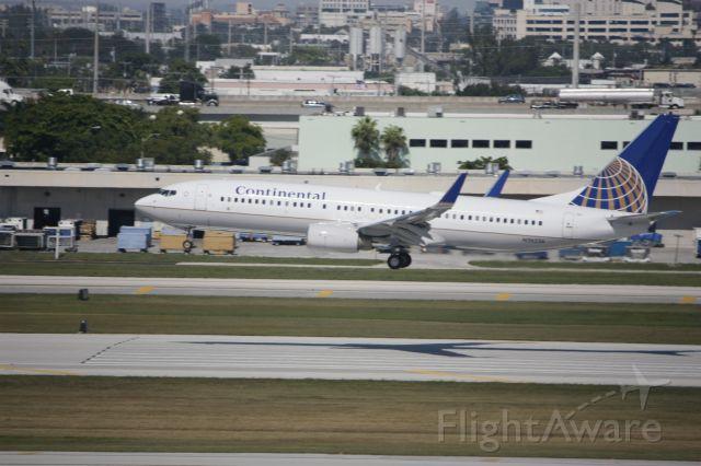 Boeing 737-800 (N26226)