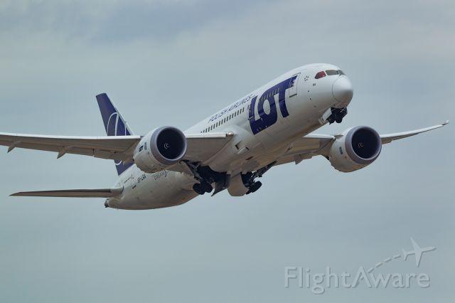Boeing 787-8 (SP-LRA)