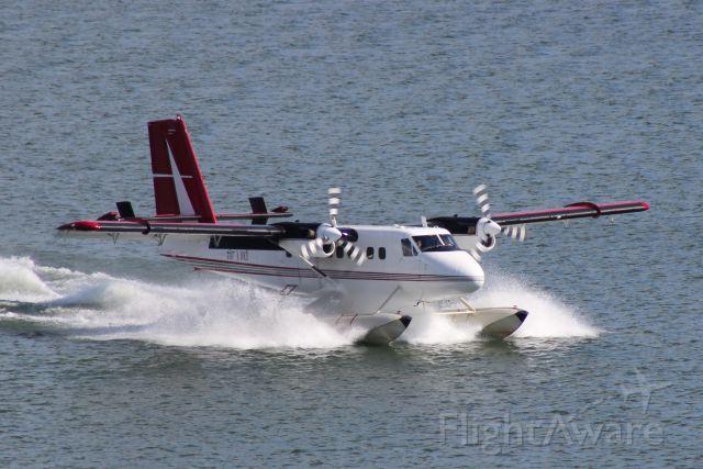 De Havilland Canada Twin Otter (C-GNPS) - LANDING EAST BAY