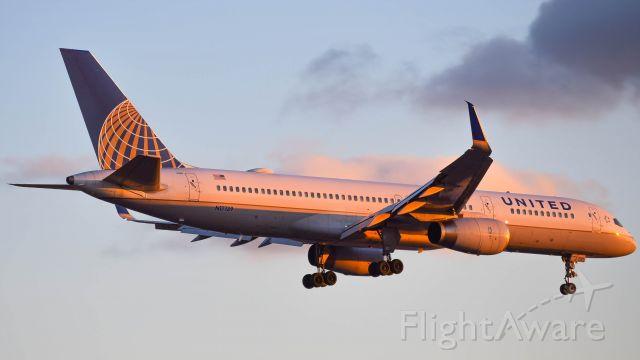 Boeing 757-200 (N17139)