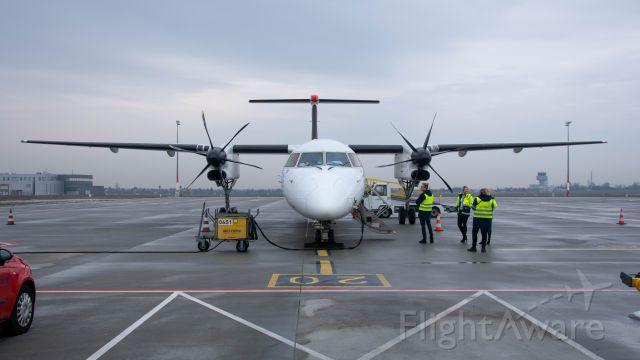 de Havilland Dash 8-400 (SP-EQD)